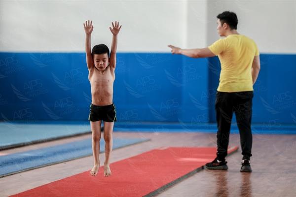 B Young Gymnasts